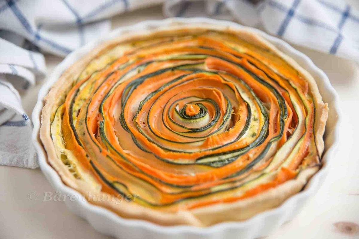 Gewickelte Zucchini Karotten Tarte