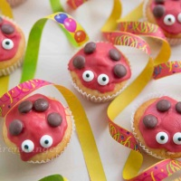 Marienkäfer Muffins mit Orange und Kokos