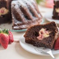 Brownie Erdbeer Cheesecake Gugelhupf