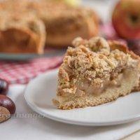Apfel Kuchen mit Mandelstreusel