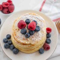 Fluffige Vanille Buttermilch Pancakes
